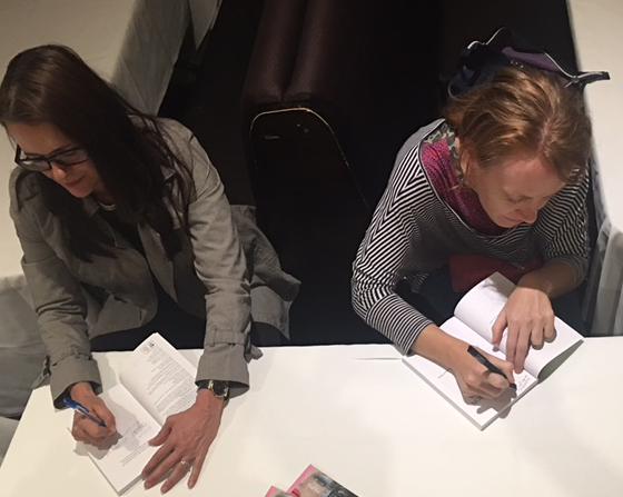 MTR_Caroline signing